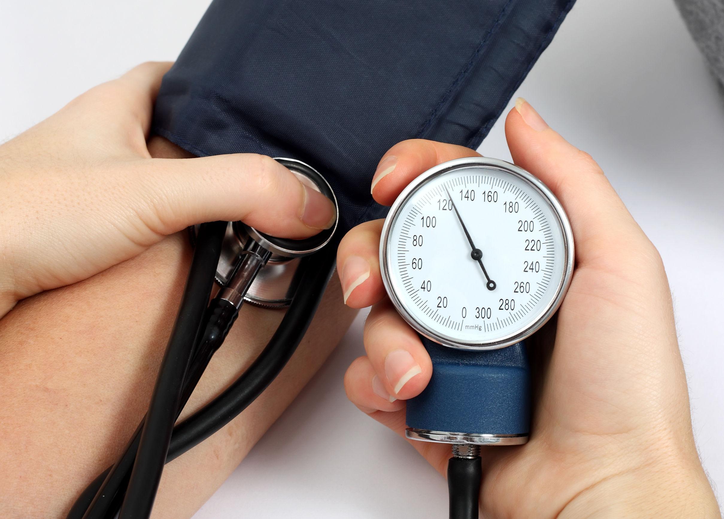 en qué consiste la hipertensión y cómo evitarla,