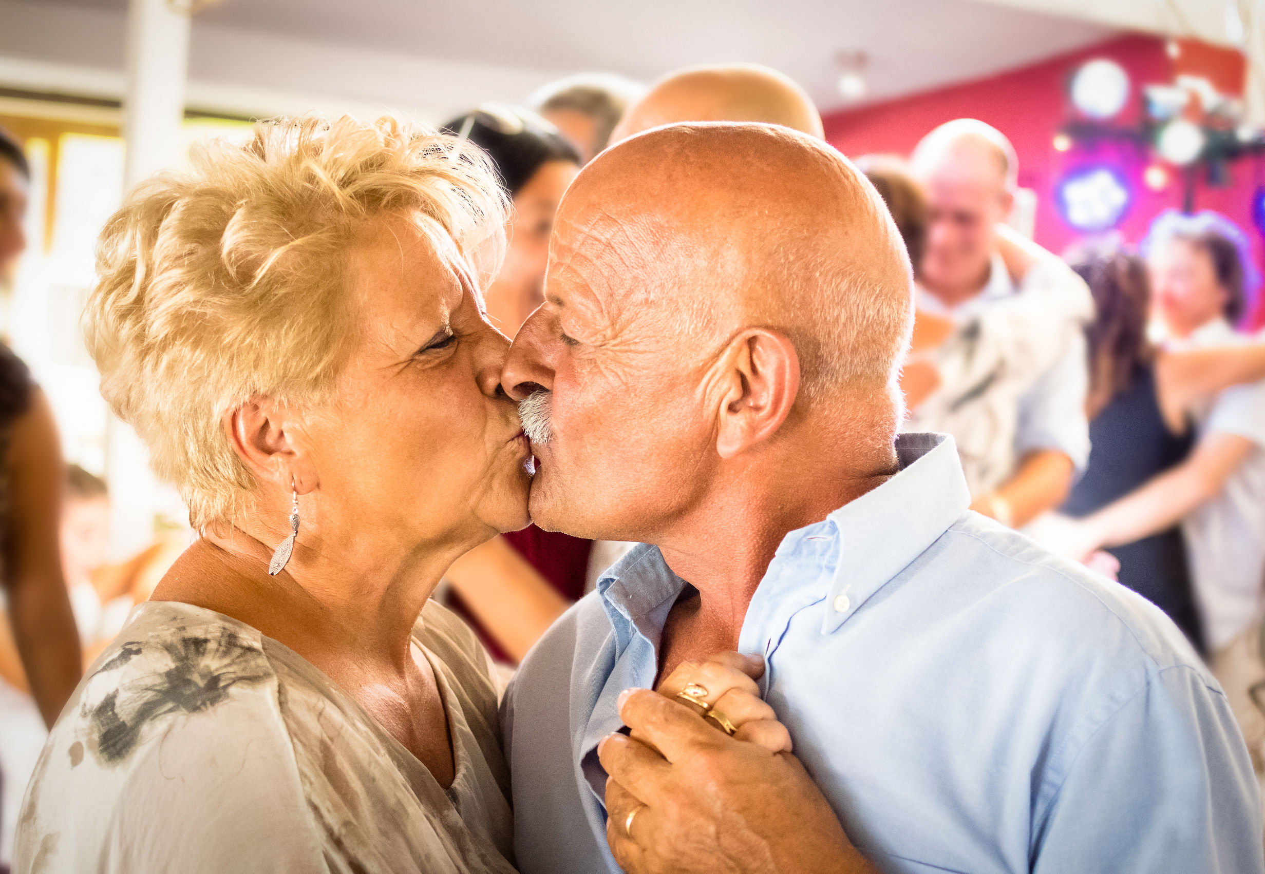 día internacional del beso: beneficios para la salud