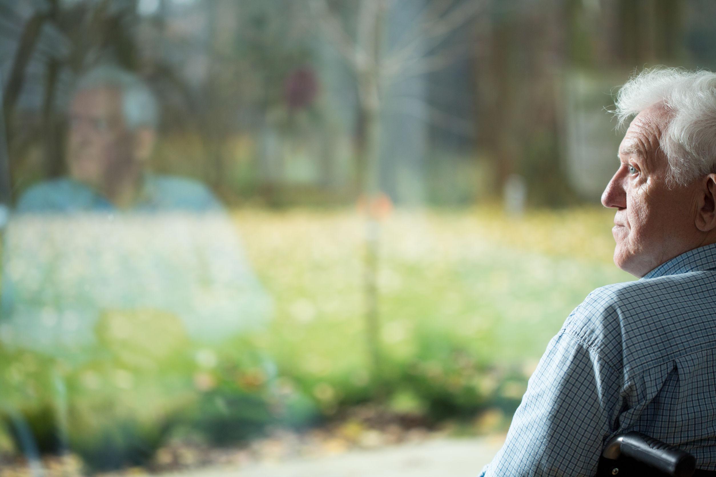 cómo pueden superar la soledad las personas mayores